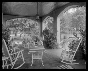 Shipton Court: veranda