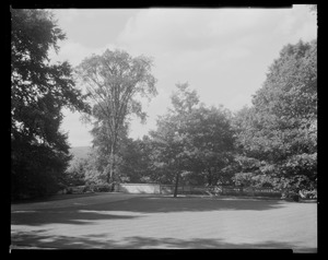 Groton Place: balustrade landscape