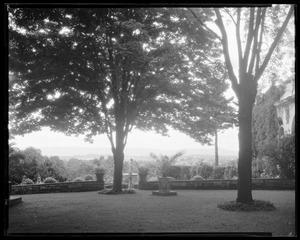 Bellefontaine: garden overlook