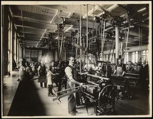 Machine engravers. Office building, 2nd. floor