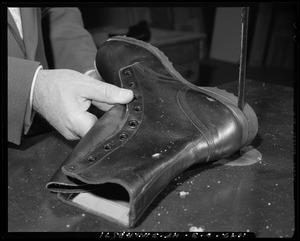 Footwear, repair process, heels