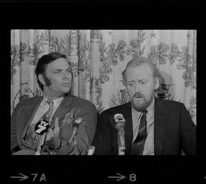 British actor Nicol Williamson, right, and theater producer Norman Twain, left, at a press conference for Williamson to apologize for walking off stage during a performance of Hamlet